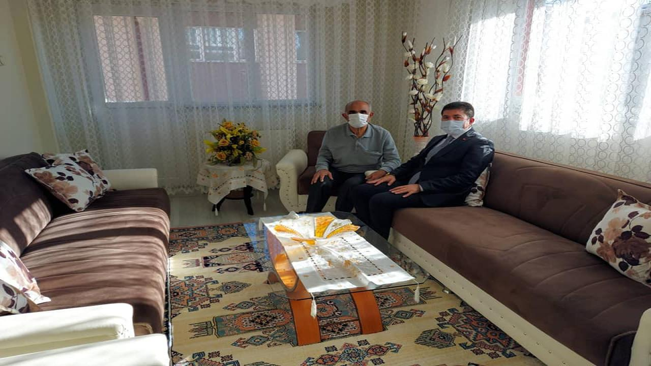 Başkan Çelik'ten Emekli Öğretmenine Ziyaret