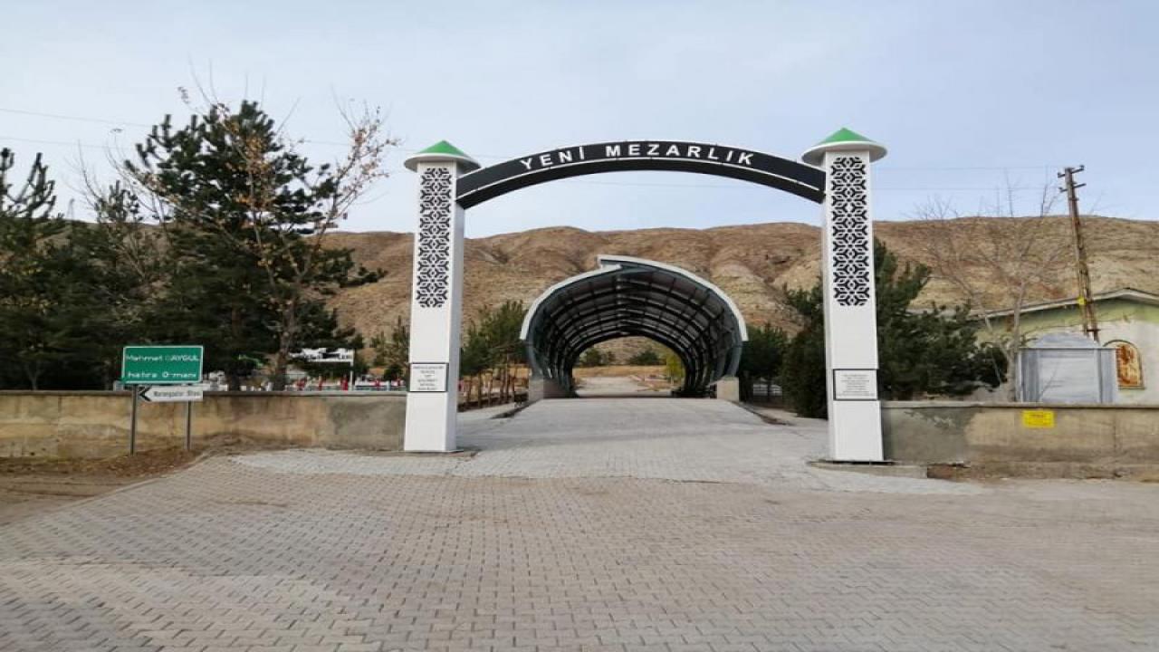 Zara Yeni Mezarlık'da, Taziye Alanı, Giriş Kapısı ve Çeşme Yapım Çalışmaları